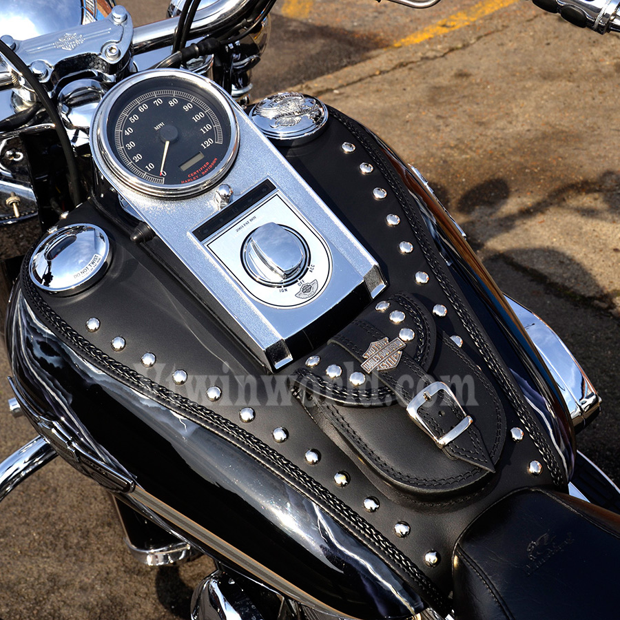 Fuel Oil Tank Cover Panel Pad Bib Pouch for Harley Touring Dyna Softail Custom #